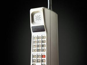 Telefono cellulare Motorola anni '90